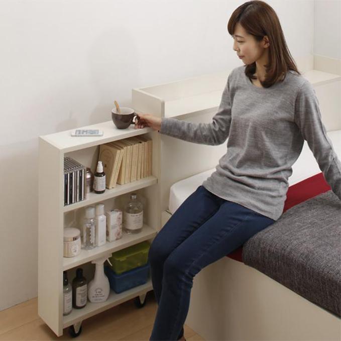 本棚が付いているベッド